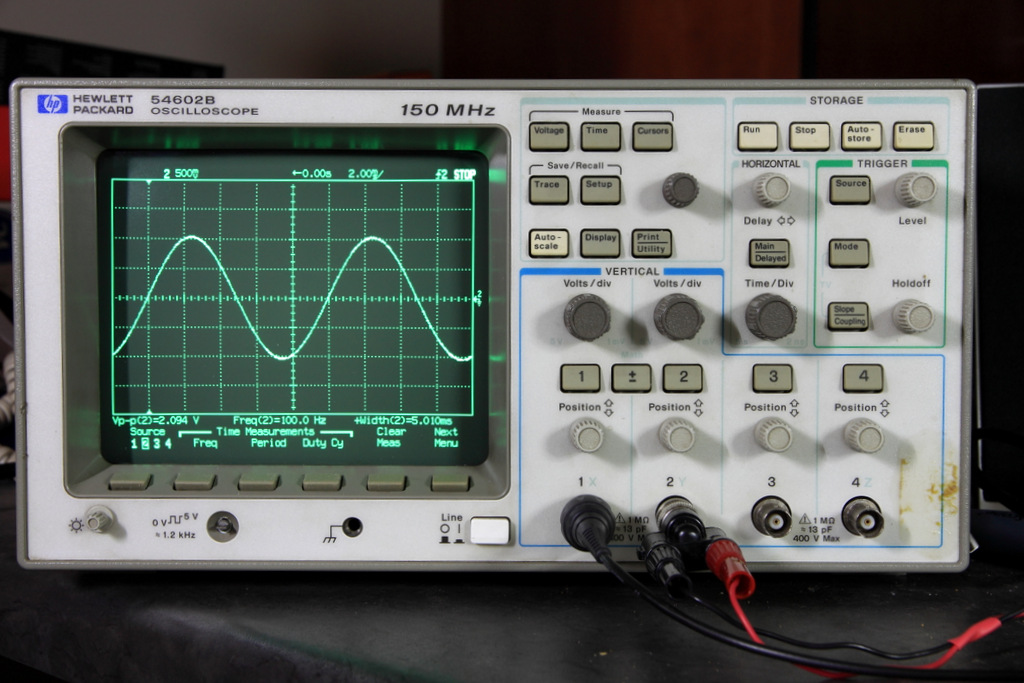Hp Digital Oscilloscope : Hp b mhz dso overview